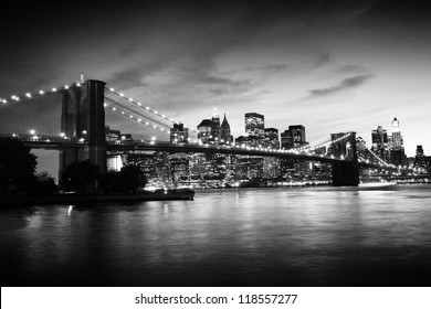 Ponte di Brooklyn e Manhattan al tramonto, New York