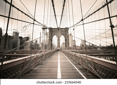 Brooklyn Bridge - New York, USA