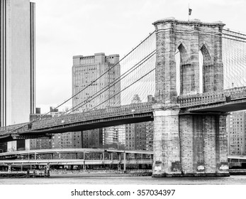 Brooklyn Bridge Pillar