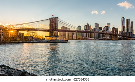 Brooklyn bridge at sunset, New York City
