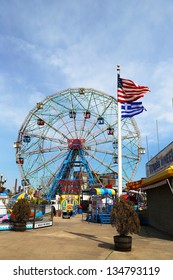 BROOKLYN, NEW YORK -APRIL 9 :Wonder Wheel at the Coney Island amusement park on April 9, 2013. Deno's Wonder Wheel a hundred and fifty foot eccentric Ferris wheel. This wheel was built in 1920