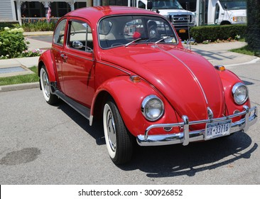 BROOKLYN, NEW YORK - JULY 19, 2015 : 1957 Volkswagen Beetle on display at the Mill Basin car show in Brooklyn, New York .