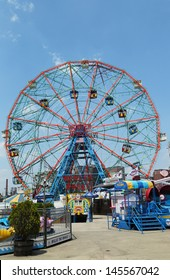 BROOKLYN, NEW YORK - MAY 30 :Wonder Wheel at the Coney Island amusement park on May 30, 2013. Deno's Wonder Wheel a hundred and fifty foot eccentric Ferris wheel. This wheel was built in 1920