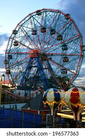 BROOKLYN, NEW YORK - MAY 31 :Wonder Wheel at the Coney Island amusement park on May 31, 2014. Deno's Wonder Wheel a hundred and fifty foot eccentric Ferris wheel. This wheel was built in 1920