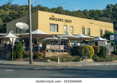 Brooklyn NSW Australia May 19th 2019 Anglers Rest Hotel Facade Sunday autumn afternoon and Customers outdoor area enjoying the good weather