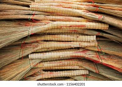 Broom product accumulation