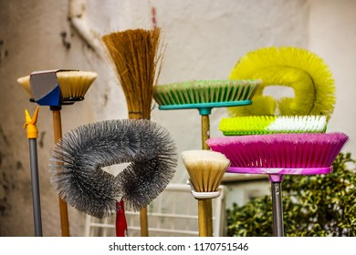 Brooms, splotches, brushes and other household cleaning equipment
