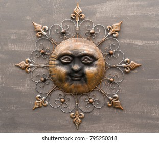 Brown Metallic Sun Face Decorative Garden Wall Hanging