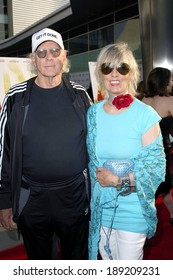 Bruce Dern, Andrea Beckett at Down in the Valley Premiere at Los Angeles Film Festival, Cinerama Dome at Arclight Cinemas, Los Angeles, CA, June 16, 2005