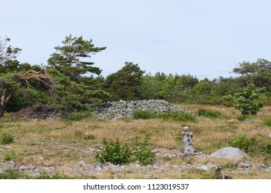 Mølen in Brunlanes, Larvik is Norway's largest beach of rolling stones, and is a part of Vestfoldraet, the terrain left behind after the end of the most recent ice age around 10,000 years ago.