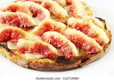 Bruschetta, toasted bread with cheese and figs