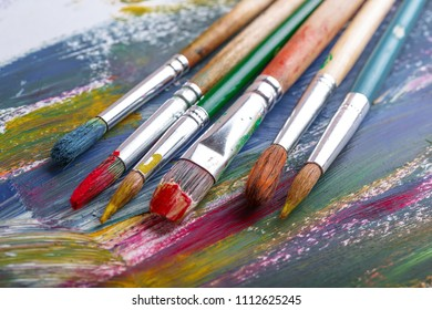 Brushes, paints and accessories for drawing