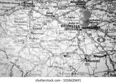 brussel on the map pushpin