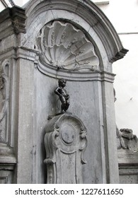 BRUSSELS BELGIUM - 15, July 2015: Famous statue of Manneken Pis (pissing boy) in Brussels