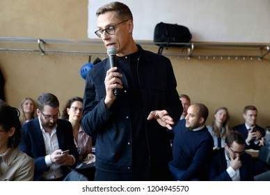 Brussels, Belgium. 17th Oct. 2018. Alexander Stubb, former prime minister of Finland and candidate for EU chief executive, speaks during an informal meeting to present his programme.