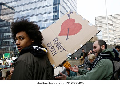 Brussels, Belgium. 21st February 2019. High school and university students stage a protest against the climate policies of the Belgian government.