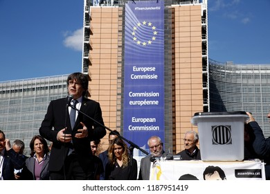 Brussels, Belgium. 25th Sep. 2018.Former President of the Generalitat of Catalonia, Carles Puigdemont attends in a protest of support arrested members of former Catalan government