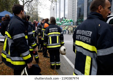 Brussels, Belgium. 28th Sep. 2018. Firefighters and workers from public sector march during a protest against planned pension reforms