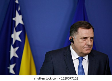 Brussels, Belgium. 4th March 2019. Chairman of the Presidency of Bosnia and Herzegovina, Milorad Dodik and Eu Commissioner Johannes Hahn speak during a press conference at the European Commission.
