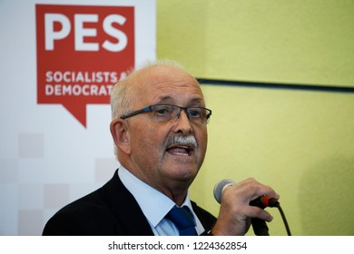 Brussels, Belgium. 6th Nov. 2018. Udo Bullmann, member of the Social Democratic Party speaks to the press ahead of the S&D Group meeting at the European Parliament