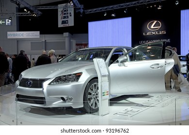 BRUSSELS, BELGIUM - JANUARY 12: Annual autosalon brussel 2012 auto motor show in Heysel expo hall. Lexus Hybrid RX450h concept car on display. January 12, 2012 in Brussels,  Belgium