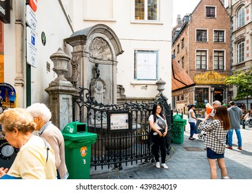 BRUSSELS, BELGIUM - June 16, 2016. The famous statue of a pissing boy of Brussels, Belgium, one of the most popular tourist destinations in brussel, Belgium.