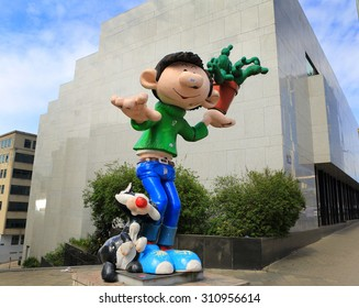 BRUSSELS, BELGIUM-April 17: Defile of giant cartoon characters  on April 17, 2015 in Brussels, Belgium.