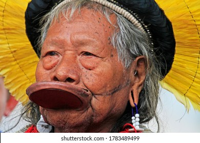 """Brussels, Capital of Belgium and Europe / Belgium - May/17/2019 : Close up of Raoni Metuktire also known as Chief Raoni during a """"Youth For Climate"""" meeting"""