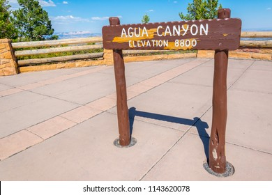BRYCE CANYON NATIONAL PARK, UTAH, USA - JUNE 26, 2018: Agua Canyon overlook sign in Bryce Canyon National Park, Utah, USA