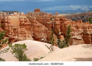 Bryce hoodoos on Navajo trail, Bryce Canyon National park