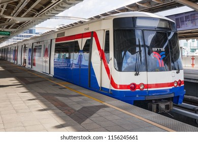 BTS Mo chit sky train station,Bangkok Thailand  08 Aug 2018:People wait for arriving of the train BTS(Bangkok mass transit system)is the rapid transit system in Bangkok