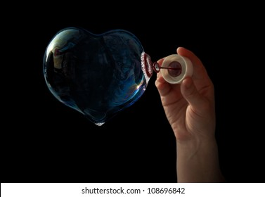 bubble in the form of the heart to the Valentine's Day for lovers