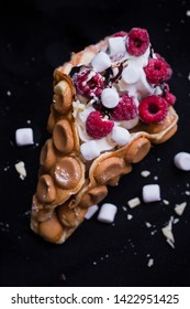 Bubble waffle with Frozen Yoghurt and Raspberry