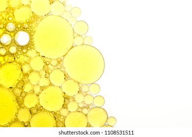 bubbles on the water from yellow to white, textures abstract round fonts