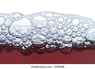 bubbles in red wine