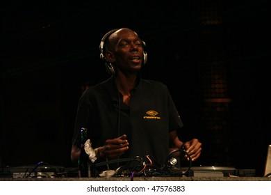 BUCHAREST - AUGUST 22: Maxi Jazz with Faithless DJ Set at Bucharest City Challenge on 22 August 2008, Bucharest, Romania