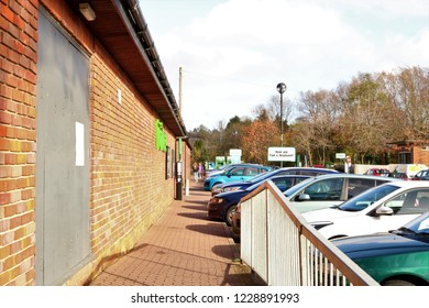 Buckingham, Buckinghamshire, UK 10.11.2018 - Cornwalls Meadow Car Park behind Waitrose in Buckingham showing a full car park with people walking