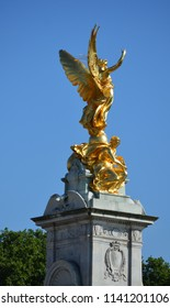 Buckingham Palace statures, London, July the 16th 2018