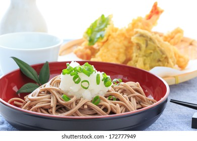 Buckwheat noodles with  grated radish