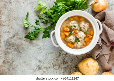 Buckwheat soup with meatballs