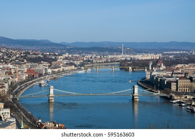 Budapest bridges and parliament building landscape in early morning