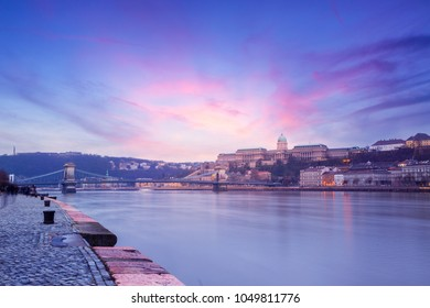 Budapest Castle and famous Chain Bridge in Budapest at sunset, Hungary