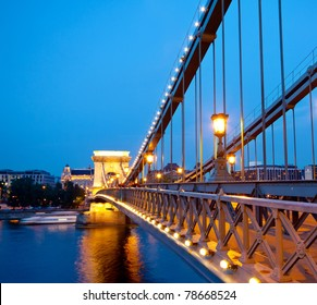 Budapest Chain Bridge over Denude by night
