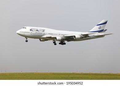 BUDAPEST, HUNGARY - APRIL 30: El Al Israel Arirlines Boeing 747 landing at Budapest Liszt Ferenc Airport, April 30th 2013. El Al is the flag carrier airline of Israel since 1948.