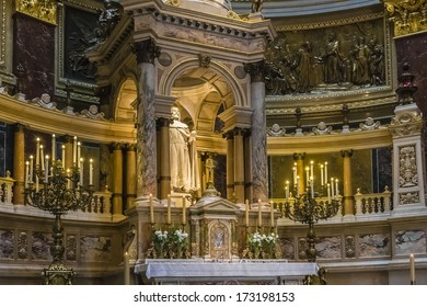 BUDAPEST, HUNGARY - AUG 23: Interior of St. Stephen's Basilica (1905) - Roman Catholic basilica, on August 23, 2011 in Budapest, Hungary. Basilica named in honor of Stephen - first King of Hungary.