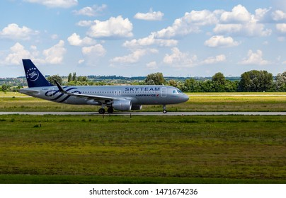 Budapest Hungary International Airport Aug 5 2019: Air France Skyteam Airline Airbus 320 F-HEPI just landing at Budapest International airport.