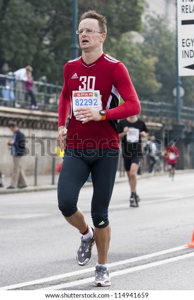 maraton egy erekcióért)