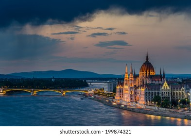 Budapest parliament building at twilight