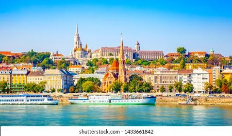 Budapest skyline, Buda castle and Danube river
