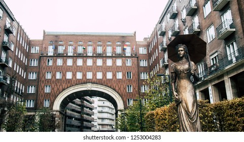 Budapest/Hungary - December 1 2018: Statue of empress Sisi in Budapest